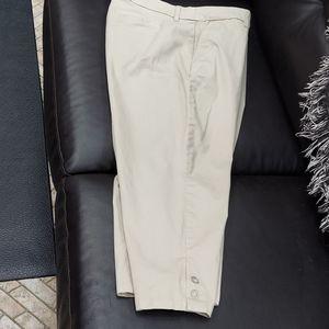 Croft & Barrow cropped beige pants size 12